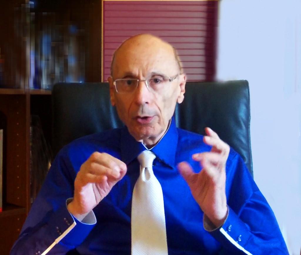 Claude-Gérard à son bureau 2013